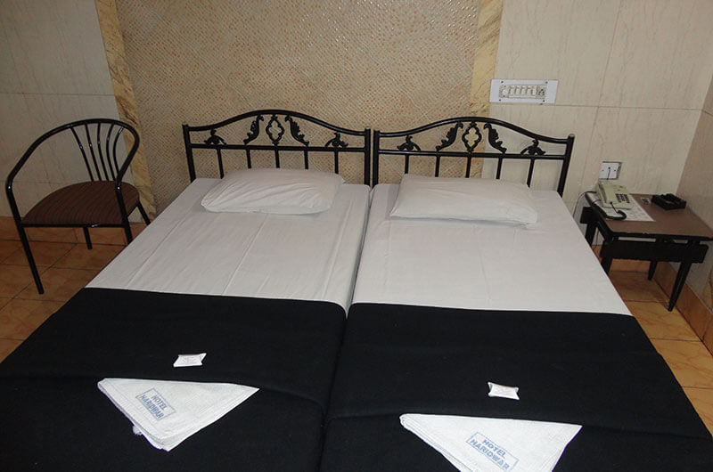 Hotel Haridwar-Deluxe AC Double Coat Room6