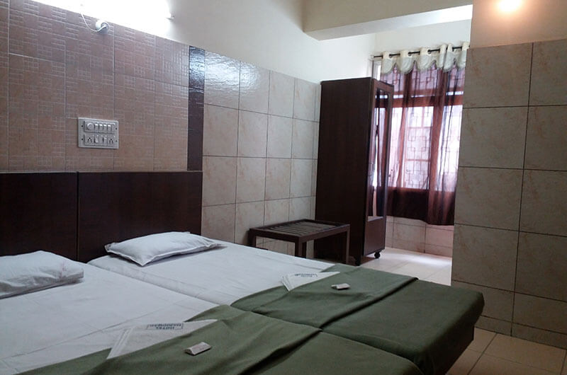 Hotel Haridwar-Deluxe Double Coat Room