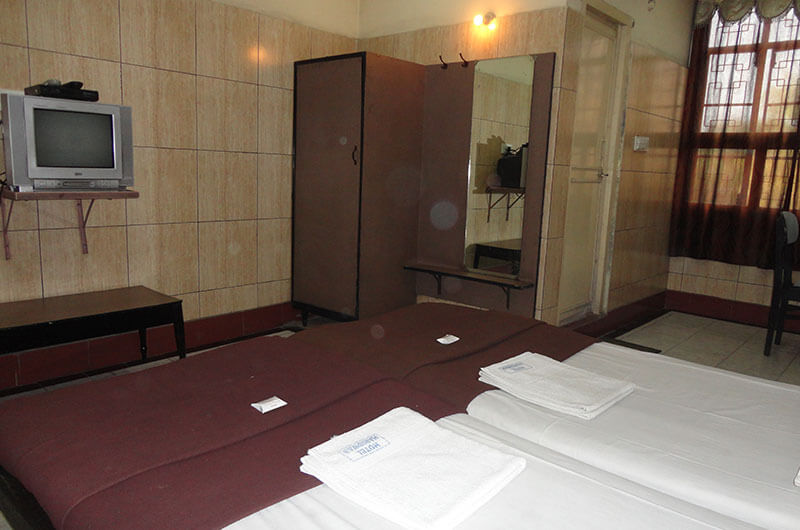 Hotel Haridwar-Deluxe Double Coat Room4