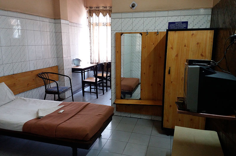 Hotel Haridwar-Deluxe Single Coat Room2