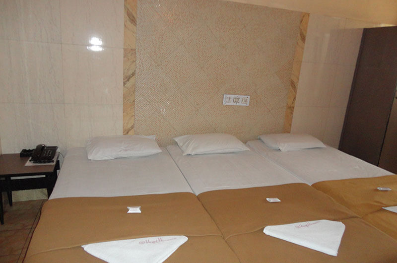 Hotel Haridwar-Deluxe Triple Coat Room2