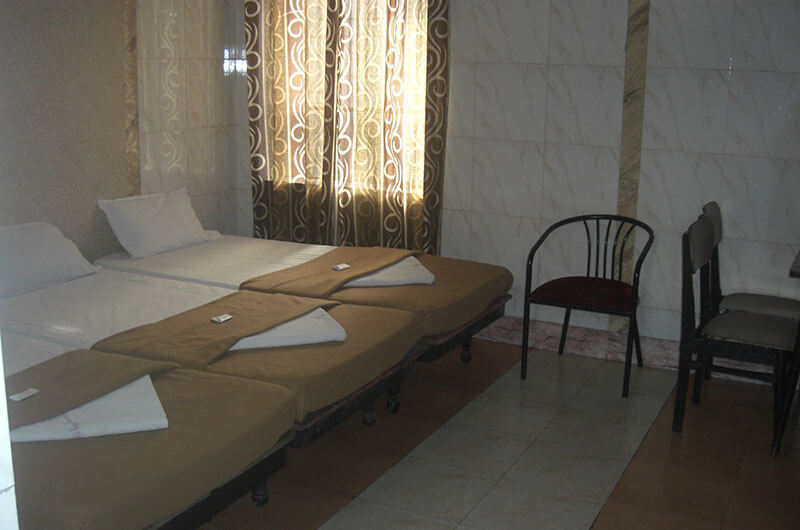 Hotel Haridwar-Deluxe Triple Coat Room4